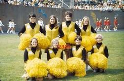 PITTSBURGH STEELERS CHEERLEADERS 1965 COLOR RARE PITT STAD 8